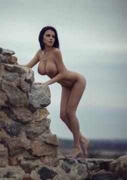 Masha Emetc by Lina Rudenko