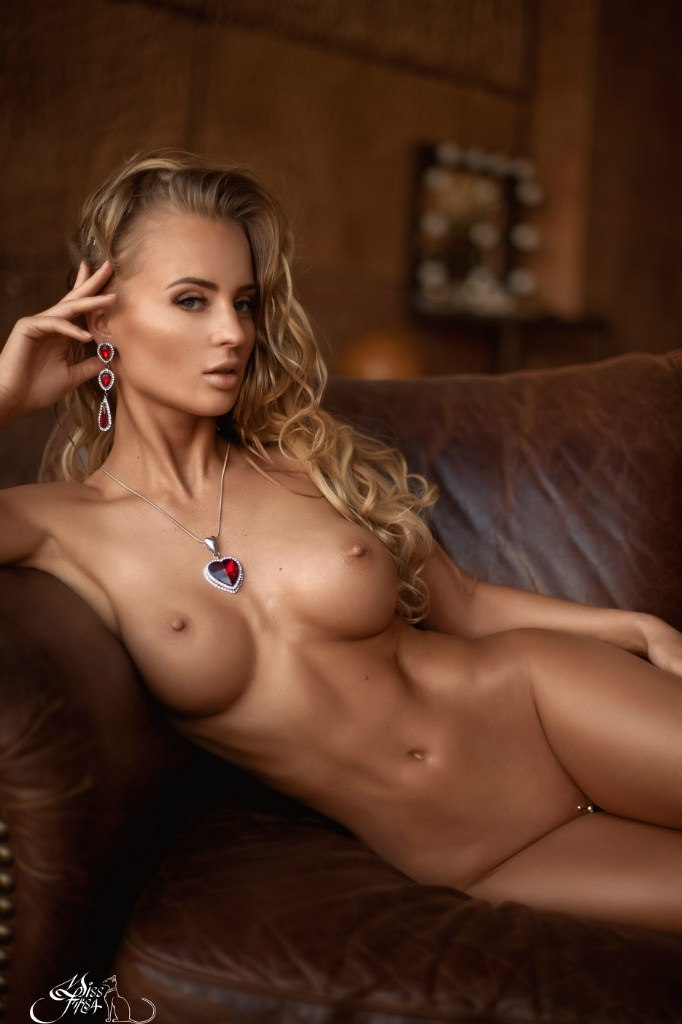 Chat with Tikhomirov in a Live Adult Video Chat Room Now